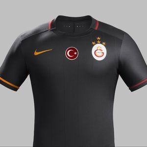 Nike | 2015-16 Galatasaray Windrunner Jersey